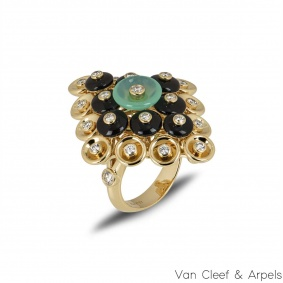 Van Cleef & Arpels Yellow Gold Bouton d'or Ring VCARO9MW00